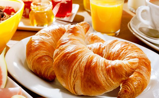 Enjoy our complimentary continental breakfast at our hotel in London...  Don't miss out on the most important meal of the day, and with us there's no reason to miss it - no matter how rushed you are!